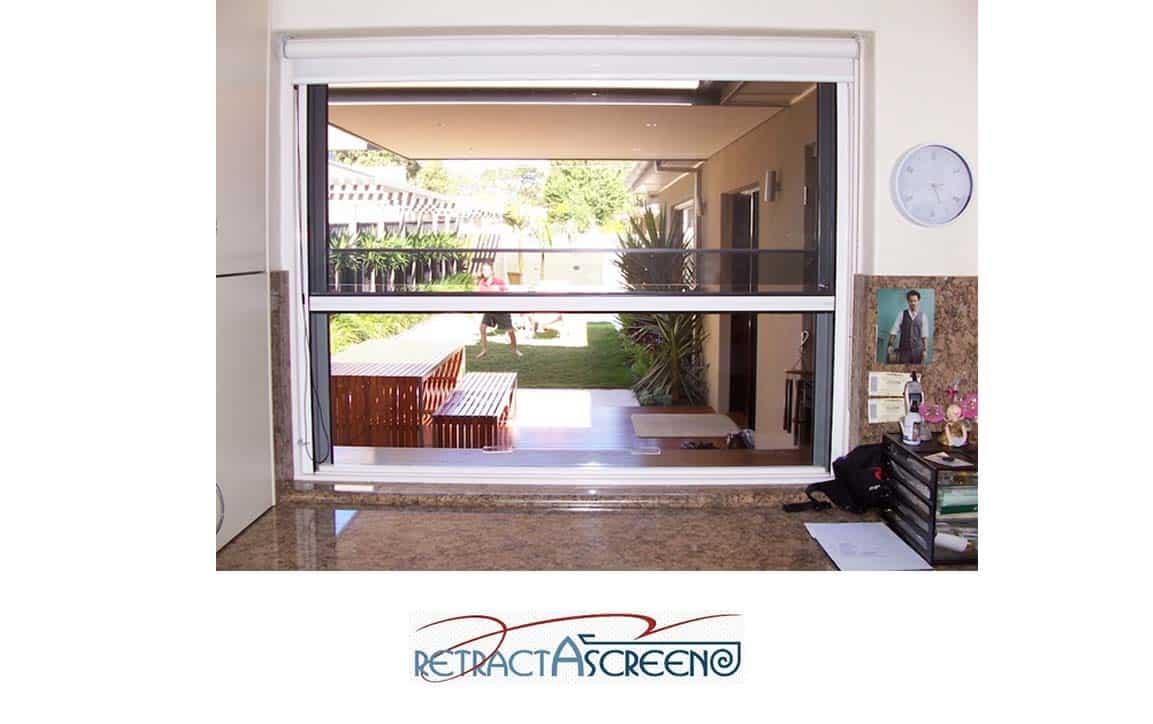 Window Retractascreen